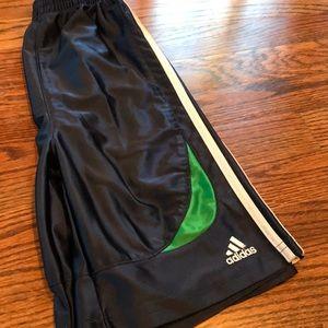 Adidas boys shorts sz 7
